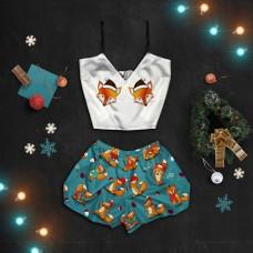 Шелковая женская пижама с принтом Новогодние лисички оптом
