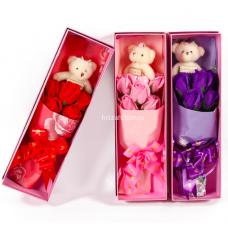 Букет Розы из мыла с мишкой в коробке оптом